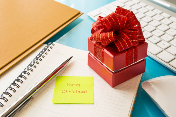 business gifts, easy gifts for co-workers, office gift ideas